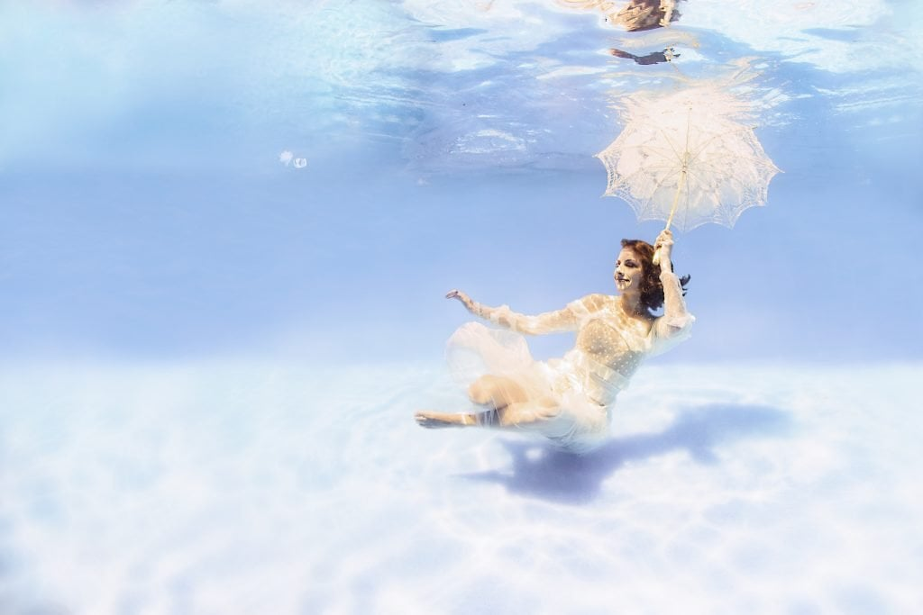 fotografia de embarazo bajo el agua