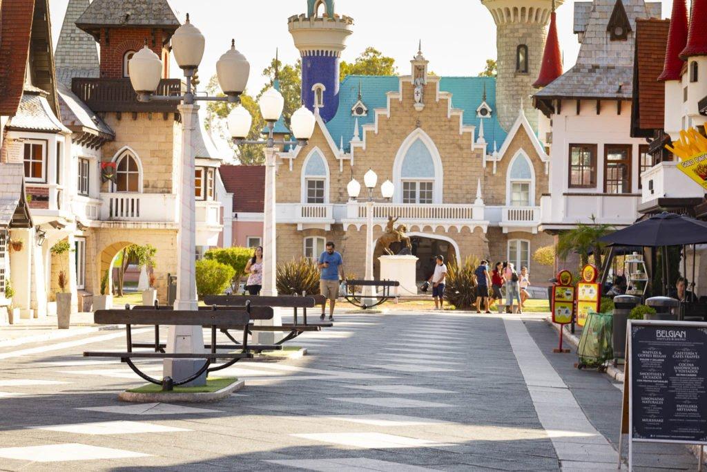 Foto de la calle principal de la república de los niños