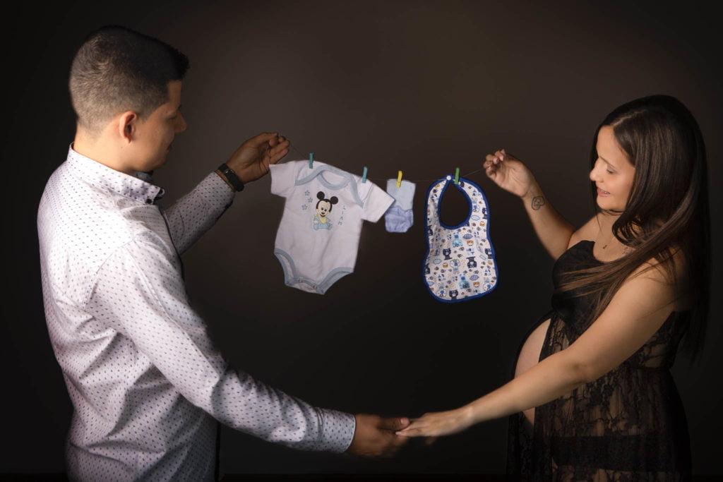 Fotografía de embarazo en estudio